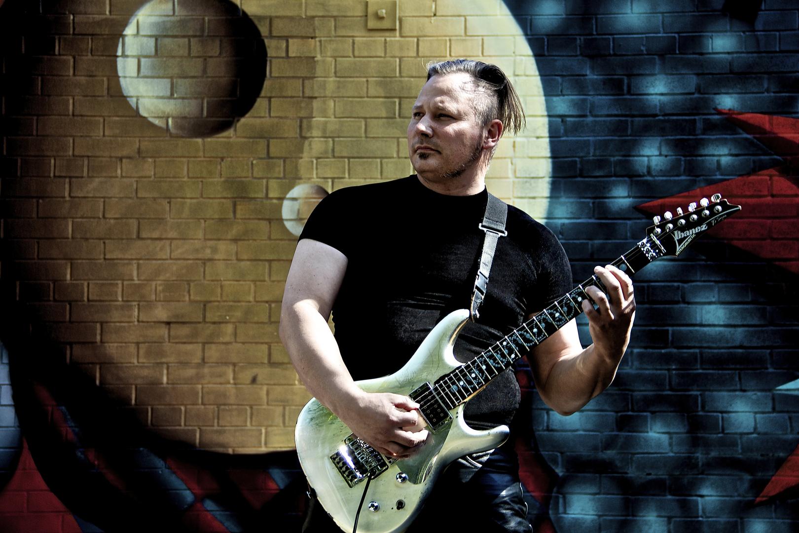 guitar lessons | Kevin Estrella, Pyramids On Mars™ | String Skipping Arpeggio Melody III