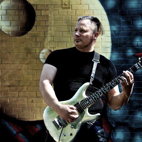 guitar lessons | Kevin Estrella, Pyramids on Mars™ | Bach Inspired Pedaltone Melodies (BWV1006)